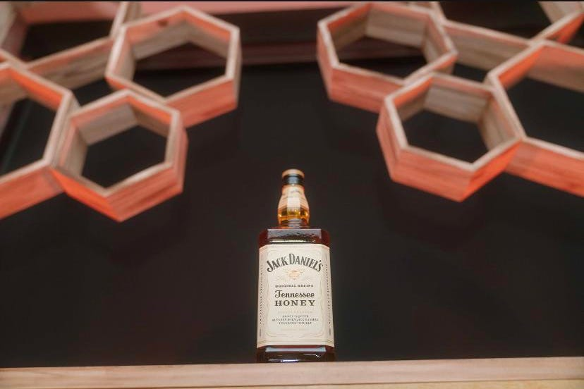 """Jack Daniel's Honey and The Bee Conservancy Want The World To """"Bee"""" A Better Place"""